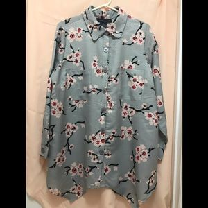 Grey blouse with floral print Sz 18W denim 24/7